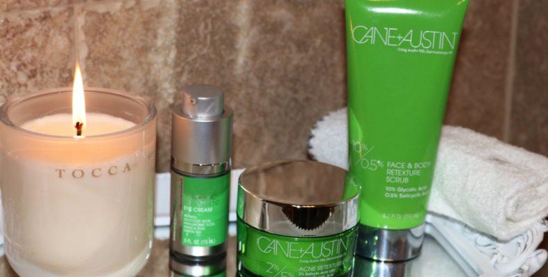 Tampoanele pentru tratamentul acneei de la Cane and Austin